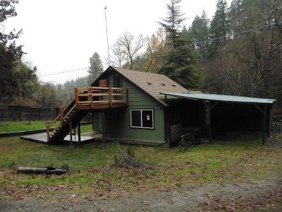 Jackson County, Josephine County Single Family Home For Sale: 910 Highway 238