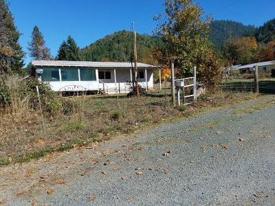 Josephine County Single Family Home For Sale: 874 Sunny Valley Loop