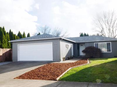 Medford OR Single Family Home For Sale: $229,950