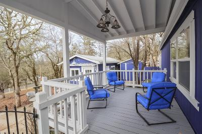 shady cove Single Family Home For Sale: 440 Old Ferry Road