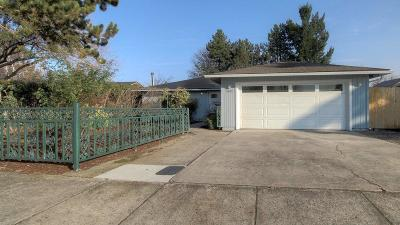Medford Single Family Home For Sale: 3100 Blackthorn Drive