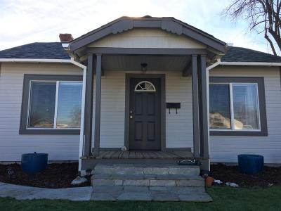 Single Family Home For Sale: 1033 W Eleventh Street