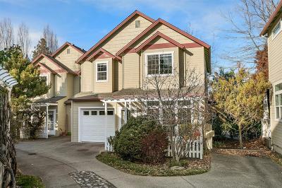 Ashland Condo/Townhouse For Sale: 2130 Siskiyou Boulevard