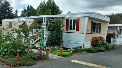 Grants Pass Mobile Home For Sale: 2325 Highland Avenue #5