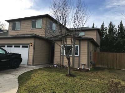 Medford Single Family Home For Sale: 629 Kaitlin Lane