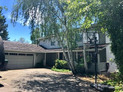 Medford OR Single Family Home For Sale: $429,500