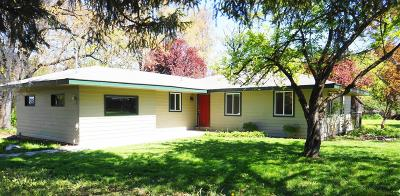 Jackson County, Josephine County Single Family Home For Sale: 16675 Highway 238