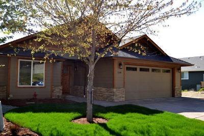 Merlin, Sunny Valley, Wimer, Rogue River, Wilderville, Grants Pass Single Family Home For Sale: 1180 NE Bonny Doon Lane