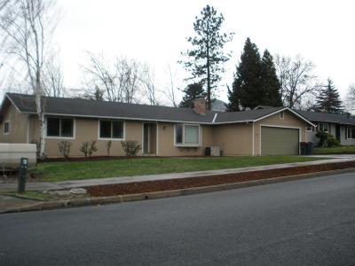 Medford Single Family Home For Sale: 2985 Seckel Street