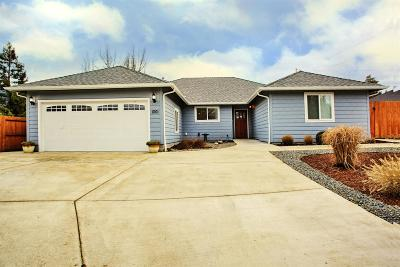 Grants Pass Single Family Home For Sale: 1001 Idle Court