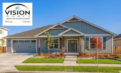 Central Point Single Family Home For Sale: 409 Stone Pointe Drive