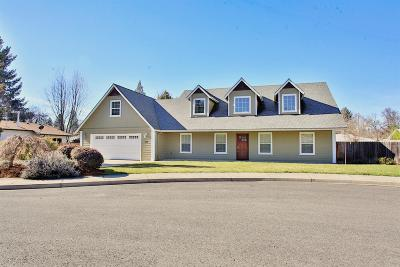 Grants Pass Single Family Home For Sale: 1074 SE Christie Place