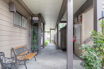 Grants Pass Condo/Townhouse For Sale: 115 Rogue River Highway #108