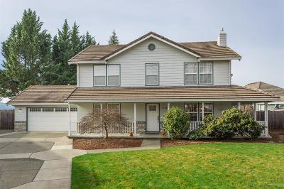 Central Point Single Family Home Active-72HR Release: 116 Daffney Court