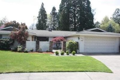 Medford OR Single Family Home For Sale: $389,500