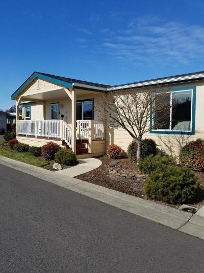 Grants Pass Mobile Home For Sale: 889 Kings Way