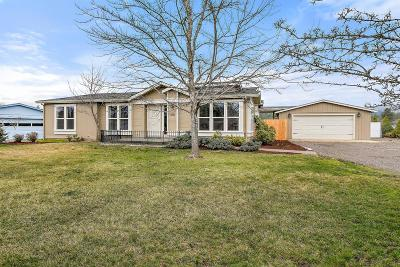 Shady Cove Single Family Home For Sale: 205 Deer Park Lane