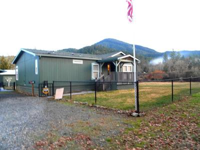Jackson County, Josephine County Single Family Home For Sale: 8477 Takilma Road