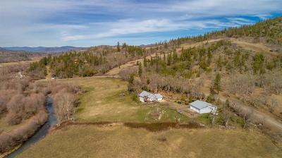 Jackson County, Josephine County Single Family Home For Sale: 5520 S Fork Little Butte Creek Road