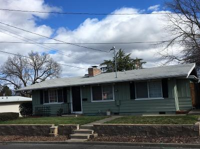 Jackson County, Josephine County Single Family Home For Sale: 220 N Fourth Street