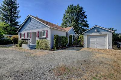 Grants Pass Multi Family Home For Sale: 1860 Rogue River Highway