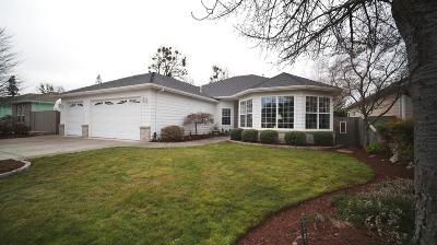 Central Point Single Family Home For Sale: 713 White Oak Avenue