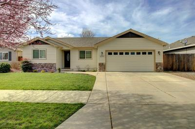 Medford Single Family Home For Sale: 2237 Manchester Drive