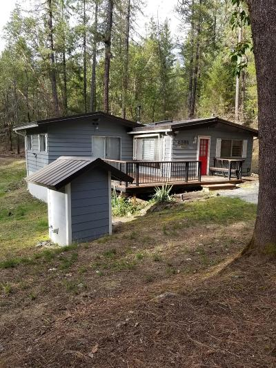 Jackson County, Josephine County Single Family Home For Sale: 6901 West Evans Creek Road