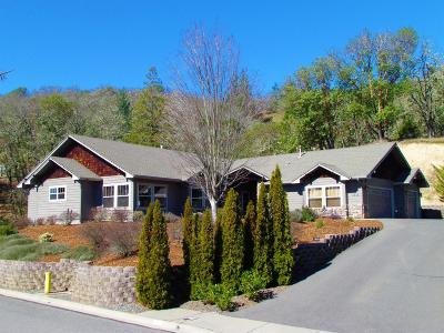 Grants Pass Single Family Home For Sale: 1858 NW Sun View Place