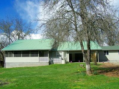 Jackson County, Josephine County Single Family Home For Sale: 5790 Cloverlawn Drive