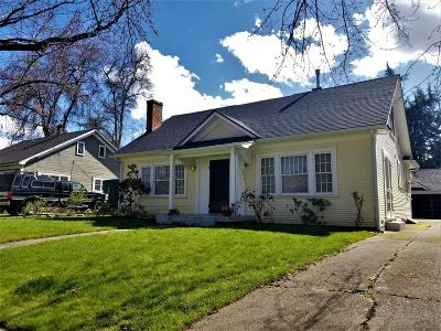 Medford Single Family Home For Sale: 1016 Queen Anne Avenue