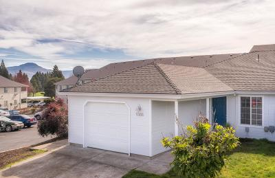 Central Point Single Family Home For Sale: 1088 Sunrise Way
