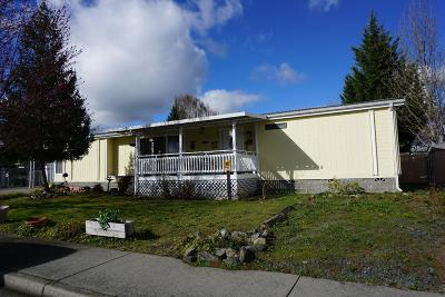 Grants Pass Single Family Home For Sale: 1724 SW Sun Glo Drive