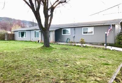 Medford OR Single Family Home For Sale: $259,000
