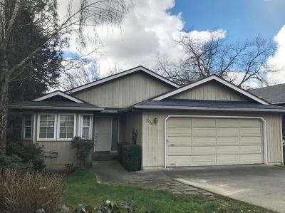 Grants Pass OR Single Family Home For Sale: $269,900