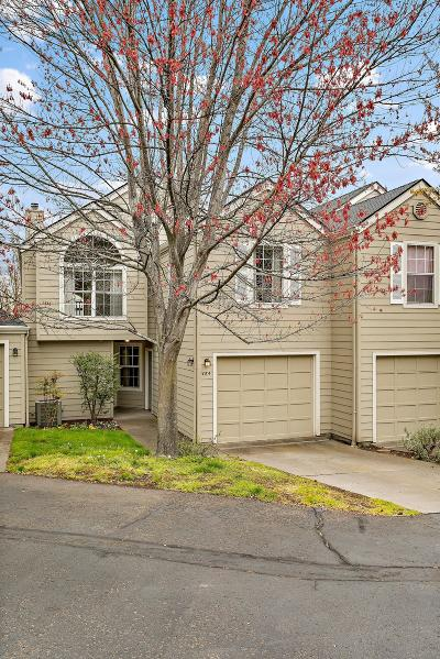 Ashland Condo/Townhouse For Sale: 464 Lori Lane