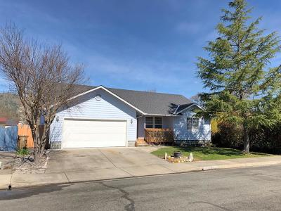 Grants Pass OR Single Family Home For Sale: $249,500