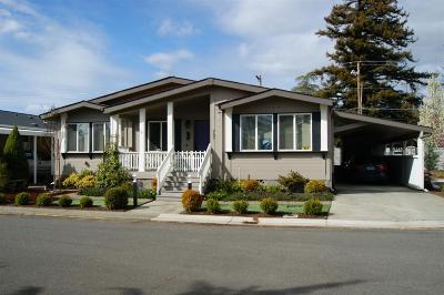 Grants Pass Mobile Home For Sale: 747 Hampton Way