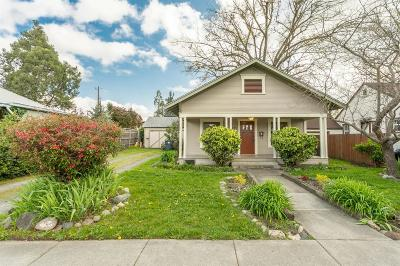Single Family Home For Sale: 621 Palm Street