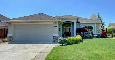 Eagle Point Single Family Home For Sale: 306 Robert Trent Jones Boulevard