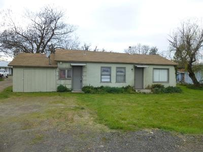 Central Point Single Family Home For Sale: 6035 Table Rock Road