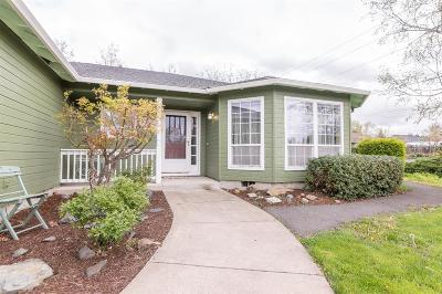 Medford Single Family Home For Sale: 1806 Cascadia Circle
