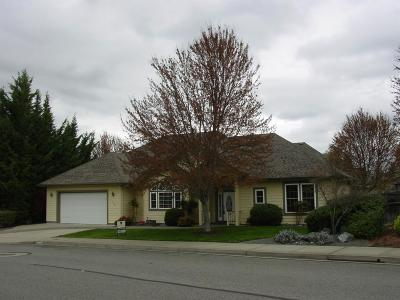 Josephine County Single Family Home For Sale: 174 Whispering Drive Drive