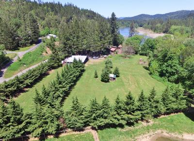 Grants Pass Single Family Home For Sale: 4557 Riverbanks Road