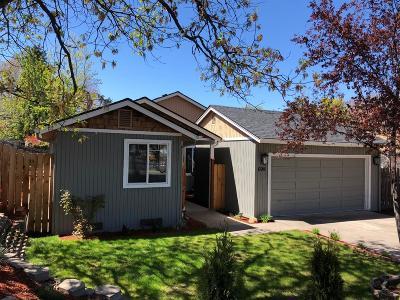 Ashland Single Family Home For Sale: 699 Tolman Creek Road