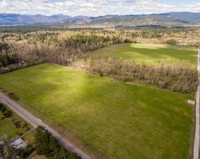 Cave Junction Farm For Sale: 5710 Holland Loop Road