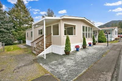 Merlin, Sunny Valley, Wimer, Rogue River, Wilderville, Grants Pass Mobile Home For Sale: 315 W Evans Creek Road #54