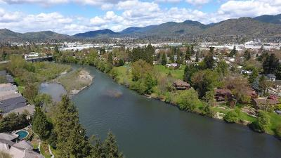 Grants Pass Single Family Home For Sale: 1088 E Park Street