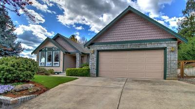 Medford Single Family Home For Sale: 1589 Cypress Point Drive