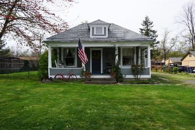 Medford OR Single Family Home For Sale: $198,000